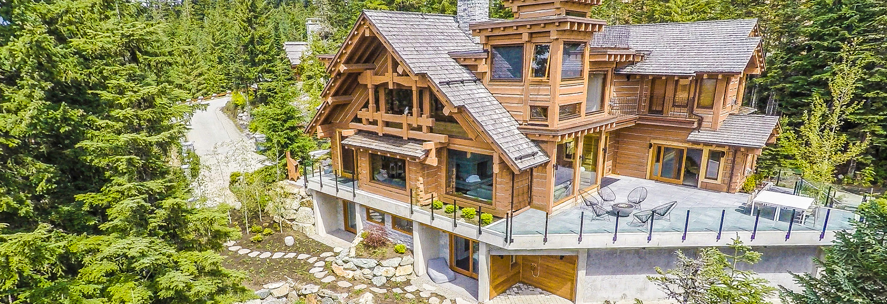 Home luxury villa chalet vacation rentals whistler for Whistler cabin rentals